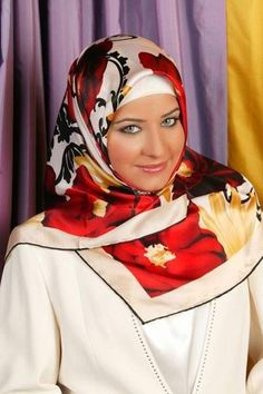 love this! Sort of a retro hijab look, dontcha think?