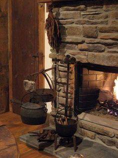 Kitchen Witchery: Carolyn Thompson Primitives Home Tour. Primitive Fireplace, Old Fireplace, Primitive Homes, Country Primitive, Primitive Decor, Fireplace Fender, Stone Fireplaces, Farmhouse Fireplace, Kitchen Witchery