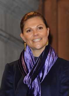 Princess Victoria Photos - Crown Princess Victoria of Sweden attends a ceremony to illuminate two Christmas trees offered by Sweden to the city of Paris on November 30, 2009 in Paris, France. - Princess Victoria of Sweden Offers Paris Two Christmas Trees
