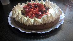 Torta brownie y frutos rojos