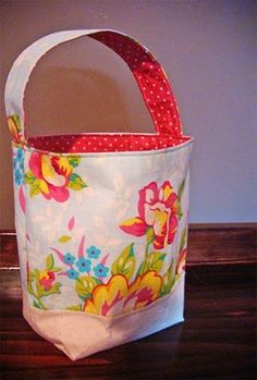 Easter or any other basket. Super quick to make. Creator says only 30 minutes! That's my kind of craft!