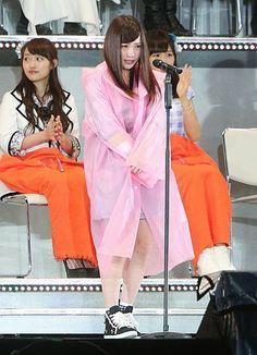 AKB48選抜総選挙でシングル選抜メンバーの16位に入り、あいさつする川栄李奈さん=7日午後、東京都調布市 ▼7Jun2014時事通信 「ピンチをチャンスに」負傷の川栄さん登壇=厳戒もファンら熱気-AKB総選挙 http://www.jiji.com/jc/zc?k=201406/2014060700330 #AKB48 #AKB48_general_election #Rina_Kawaei #AKB48_popularity_poll