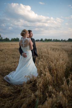 Horizon by JohannesSchuller. Lace Wedding, Wedding Dresses, Wedding Portraits, Fashion, Photographers, Wedding, Bride Dresses, Moda, Bridal Gowns