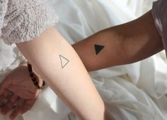 tatuaje para parejas de triangulos couple tatto