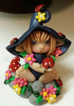 Elf Sweetie Elf Found the Ladybugs Polymer Clay Fairy, Polymer Clay Christmas, Polymer Clay Creations, Polymer Clay Crafts, Clay Fairy House, Wiccan Crafts, Clay Fairies, Fairy Crafts, Clay Baby