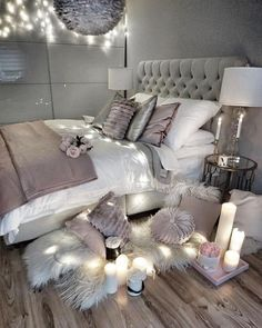 64 Very Beautiful and Comfortable Bedroom Decor ideas You can give your dorm room ideas a creative and personal touch with the dorm room decorating inspiration. The post 64 Very Beautiful and Comfortable Bedroom Decor ideas appeared first on Sovrum Diy. Cute Bedroom Ideas, Trendy Bedroom, Bedroom Inspo, Bedroom Decor Glam, Design Bedroom, Modern Bedroom, Bedroom Themes, Gray Room Decor, Bedroom Lighting