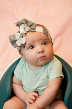 5 Minute No Sew Headband - Hip & Simple Baby Diy Projects, Baby Crafts, Cute Crafts, Sewing Projects, Sewing Headbands, Baby Headbands, New Baby Girls, My Baby Girl, Diy Bebe