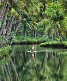Sungai Maron Pacitan, Indonesia Photo by Mamad Wijaya Beautiful World, Beautiful Places, Places To Travel, Places To Visit, Kerala Backwaters, Kerala Travel, Kerala Tourism, Sup Yoga, Kerala India