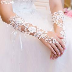 2018 Custom Made Mariée Gants Fabuleux Dentelle Diamant Fleur Gant Creux Accessoires De Robe De Mariage