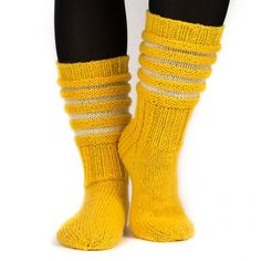 Wool Socks, Knitting Socks, Hand Knitting, Knitting Patterns, Sewing Crafts, Diy Crafts, Sock Toys, Boot Cuffs, Knitting Projects