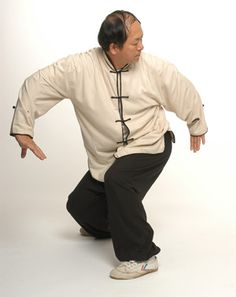 Dr. Yang performing Qigong (Photo: P Segadaes)