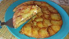 Plněná bramborová pochoutka z pánve: 3 brambory, 150 g mletého masa, 1 trojúhelník sýra a máte oběd jako lusk! Omelette, Quiche, Pineapple, French Toast, Bread, Cookies, Dinner, Fruit, Breakfast