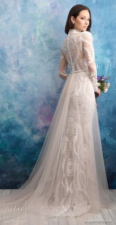 Allure Bridals Wedding Dress Collection Fall 2018 dresses high neck allure bridal Allure Bridals Wedding Dress Collection Fall 2018 - Belle The Magazine Western Wedding Dresses, Princess Wedding Dresses, Modest Wedding Dresses, Bridal Dresses, Wedding Gowns, Wedding Shoes, Vintage Lace Weddings, Backless Wedding, Tulle Wedding