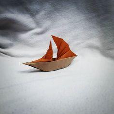 Il mare è senza strade il mare è senza spiegazioni. Alessandro Baricco Sailing boat Model by Henry Pham #origami #boat #mare #sea #paperfolding #papiroflexia by Luca De Giorgi