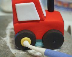 How to Make a Tractor Cake Topper Cake Topper Tutorial, Fondant Tutorial, Cake Toppers, Tractor Birthday Cakes, Disney Cars Cake, Jake Cake, Fondant People, Thomas Cakes, Lion Cakes