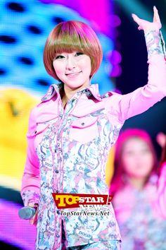 Dal★shabet's Kaeun, 'A brightly shining performance' … Opening ceremony for 'MU:CON Seoul 2012' [KPOP PHOTO]