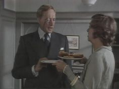 strong poison - Lord Peter at the agency Loved Miss Clipson abd her secretaries/detective work force. Dorothy L Sayers, Inspector Calls, Bbc Tv, Cozy Mysteries, British Actors, I Love Him, I Movie, Middle Earth, Lord
