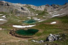 Le petit lac Escur et sa belle forme de cœur dans le Queyras (Alpes du sud, France). Par Kiredjian Joris