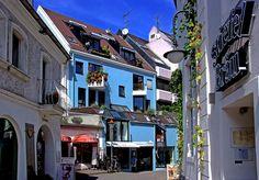 Auch in den versteckten Gassen von Saarbruecken gibt es schoene Ecken. Saarland, Germany