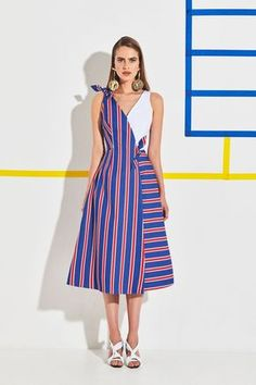 See the entire Stella Jean resort 2020 collection. Image credit: courtesy of Stella Jean 2020 Fashion Trends, Fashion 2020, Fashion Tips, Fashion Design, Vogue Fashion, Stella Jean, Stella Stella, Vogue Paris, African Print Dresses