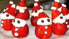 17 Ideas For Party Snacks Christmas Strawberry Santas Strawberry Santas, Strawberry Cheesecake, Strawberry Recipes, Christmas Appetizers, Christmas Cupcakes, Christmas Desserts, Christmas Goodies, Christmas Crafts, Christmas Candy