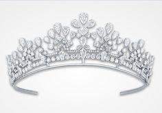 GRAFF Diamond Tiara - a magnificent combination of diamond rarity and timeless design (268 diamonds, 82.87cts)