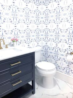 Bathroom decor for the master bathroom renovation. Discover bathroom organization, master bathroom decor some ideas, master bathroom tile ideas, bathroom paint colors, and much more. Navy Bathroom, Modern Master Bathroom, Bathroom Colors, Downstairs Bathroom, Master Bathrooms, Boho Bathroom, Bathroom Art, Bathroom Interior, Bathroom Accesories