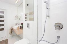 Design modern si luminos pentru un apartament de 2 camere si 50 mp- Inspiratie in amenajarea casei - www.povesteacasei.ro Bathroom Hooks, Minimalism, Modern, Design, Trendy Tree