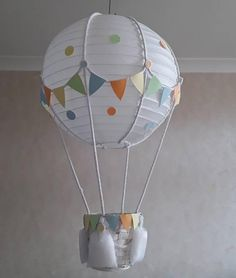Add your own toy Hot Air Balloon Nursery light shade / Made To Order Balloon Lanterns, Balloon Lights, Balloon Wall, Balloon Decorations, Hot Air Balloon Craft For Kids, Diy Hot Air Balloons, Ballon Lampe, Handmade Crafts, Diy Crafts