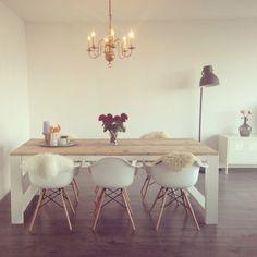 Home & Decor Interior, Minimalist Dining Room, New Living Room, Dinning Room Decor, House Inspiration, Home Decor, Home And Living, Living Room Table, Living Room Designs