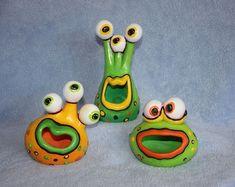 alien clay pinch pots - school project