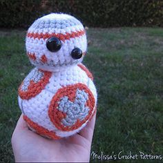 BB 8 from Star Wars - Free Crochet Pattern by @melissaspattrns | Featured at Melissa's Crochet Patterns - Sponsor Spotlight Round Up via @beckastreasures | #fallintochristmas2016 #crochetcontest #spotlight #crochet #roundup