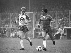 FCGroningen vs Ajax (2-3); stadium Oosterpark, eredivisie 1981/82; Ronald Koeman and Johan Cruyff.