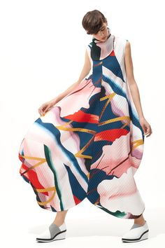 ***Collection : ISSEY MIYAKE RESORT 2019***