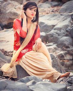 GetPics: 2020 Best Stylish WhatsApp dpz For Girls Dehati Girl Photo, Girl Photo Poses, Girl Photography Poses, Girl Photos, Girl Pics, Beautiful Girl Photo, Beautiful Girl Indian, Beautiful Girl Image, Stylish Girls Photos