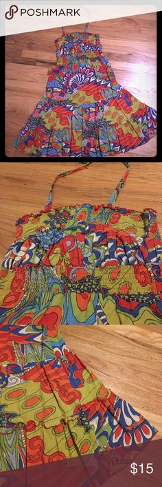 Flirty sunny day ☀️ dress Pura Vida dress I bought at a cute boutique in Texas. Says size 8, but I usually wear a 4 or 6, so I think this runs small. I usually tucked the halter tie straps in and wore it strapless. pura vida Dresses Strapless