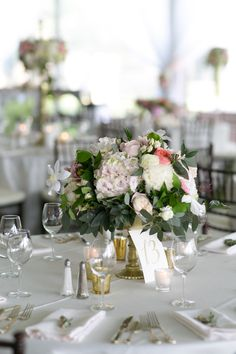 #hydrangea, #tablescapes, #peony, #centerpiece, #roses, #dogwood    Read More: http://www.stylemepretty.com/2015/04/27/romantic-colorado-mountain-wedding/