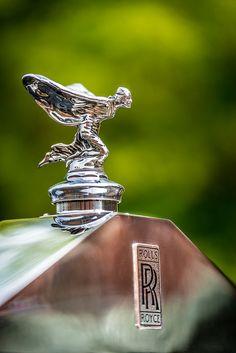 Spirit of Ecstasy 2 Cool Car Backgrounds, Rolls Roys, Vintage Cars, Antique Cars, Gtr Car, Car Bonnet, Rolls Royce Motor Cars, Car Hood Ornaments, Car Wheels