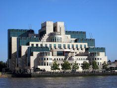 MI6 Building Sehenswürdigkeit in London, England - MI6 Building Reiseführer - tripwolf