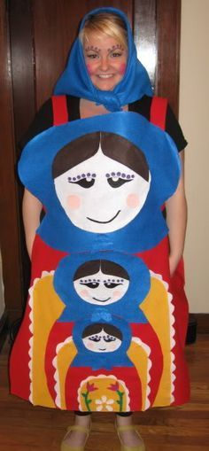 Russian Nesting Dolls - four heads are better than one! - OCCASIONS AND HOLIDAYS - This year I went as a set of Russian nesting dolls! These are also known as matryoshka dolls and babushka dolls, but they are the dolls which fit insi Costume Halloween, Costume Carnaval, Homemade Halloween Costumes, Halloween Crafts, Halloween Party, Halloween Decorations, Doll Costume, Funny Halloween, Cute Costumes