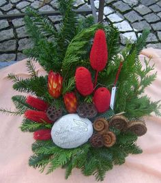 See related links to what you are looking for. Christmas Floral Arrangements, Christmas Centerpieces, Christmas Diy, Christmas Wreaths, Funeral Flowers, Diy Weihnachten, November, Holiday Decor, Painting
