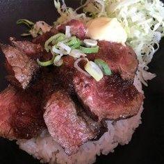 昨日は松島のステーキとワインの店ANZUへ行ってきました  写真はいただいたステーキボウル  階はお肉屋さんになっていてお客さんも大変多いです  さすがお肉屋さんのステーキ  食べ応えもあって美味しかったですよ  #福岡#福岡市#ANZU#あんず#お肉#お肉大好き#ステーキ#ステーキボウル#素敵 tags[福岡県]