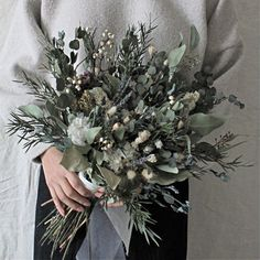 Dried Flower Bouquet, Flower Bouquet Wedding, Winter Leaves, Bouquet Images, Wedding Renewal Vows, Winter Wedding Flowers, Green Flowers, Flower Arrangements, Wedding Decorations
