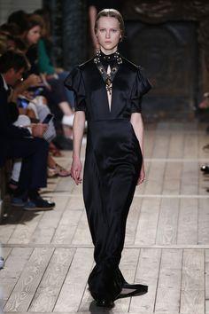 Valentino   Haute Couture - Autumn 2016   Look 20