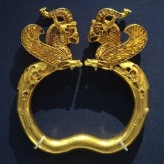 Gold Griffin Bracelet, 5th-4th. c BCE, Oxus Treasure, British Museum  #Achaemenids