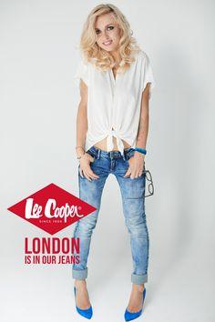 Capri Pants, London, Jeans, Fashion, Capri Pants Outfits, Capri Trousers, Big Ben London, Fashion Styles, Fashion Illustrations