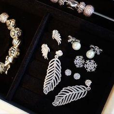 >>>Pandora Jewelry OFF! Pandora Earrings, Pandora Jewelry, Pandora Charms, Jewelry Box, Jewelry Watches, Silver Jewelry, Pandora Collection, New Pandora, Piercing
