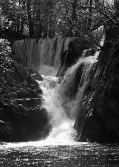 Galeria de fotos para tu blog o webpage: Reflecting Water animated gifs