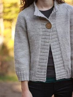 Long Sleeve Knitted Sweater – linenlooks This knitted sweater looks chic and elegant, popular with retro fans. cardigans fall sweaters,cardigans fall,Cardigans,cardigans for women Knit Cardigan Pattern, Sweater Knitting Patterns, Knitting Yarn, Hand Knitting, Looks Chic, Cardigans For Women, Types Of Sleeves, Knit Crochet, Long Sleeve