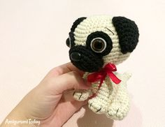 Crochet a cute souvenir for your loved one with the help of this step-by-step Baby Pug Dog Amigurumi Pattern. Diy Crochet Amigurumi, Cute Crochet, Crochet Toys, Crochet Baby, Crochet Keychain Pattern, Crochet Dog Patterns, Amigurumi Patterns, Baby Pug Dog, Pug Dogs